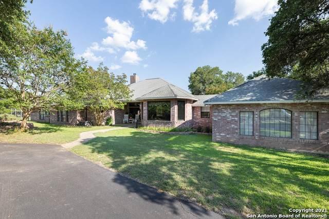 165 Sage Oaks Trail, Boerne, TX 78006 (MLS #1539573) :: Carter Fine Homes - Keller Williams Heritage