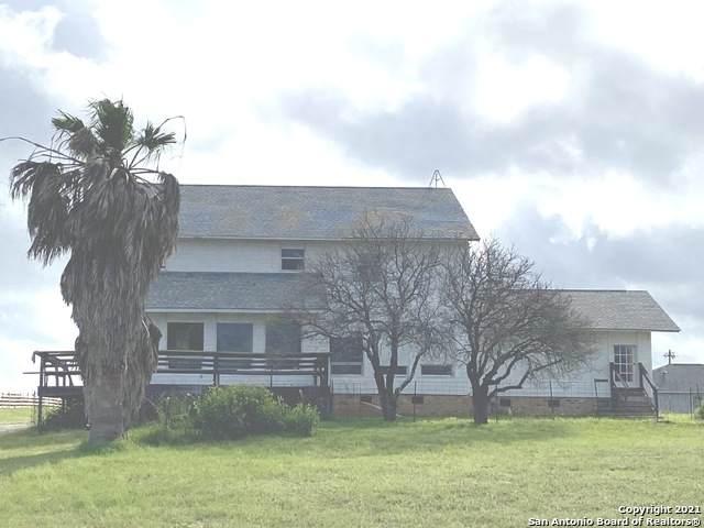 612 Lakeridge Ln, La Vernia, TX 78121 (MLS #1540135) :: The Rise Property Group