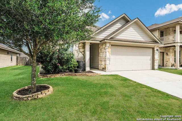 749 Great Oaks Dr, New Braunfels, TX 78130 (MLS #1540565) :: The Lopez Group