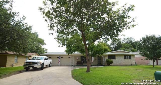 218 Oaklane Dr, Universal City, TX 78148 (MLS #1541923) :: Carter Fine Homes - Keller Williams Heritage