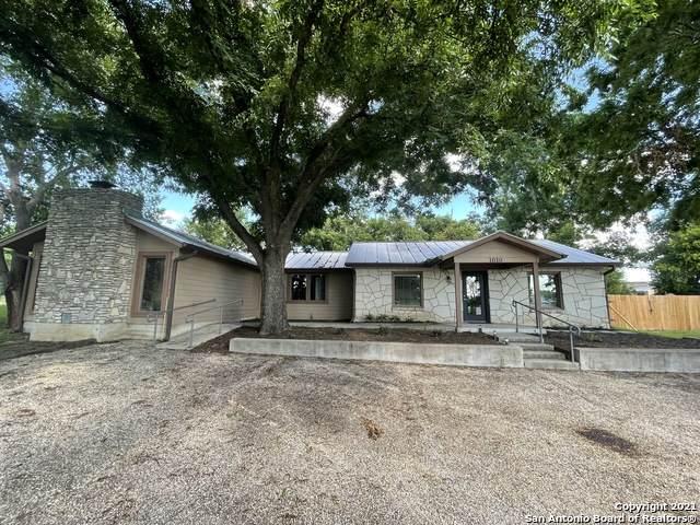 1610 Goat Creek Rd, Kerrville, TX 78028 (MLS #1542201) :: Exquisite Properties, LLC