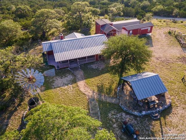 1634 Faris Ranch Rd, Bandera, TX 78003 (MLS #1542290) :: The Lopez Group