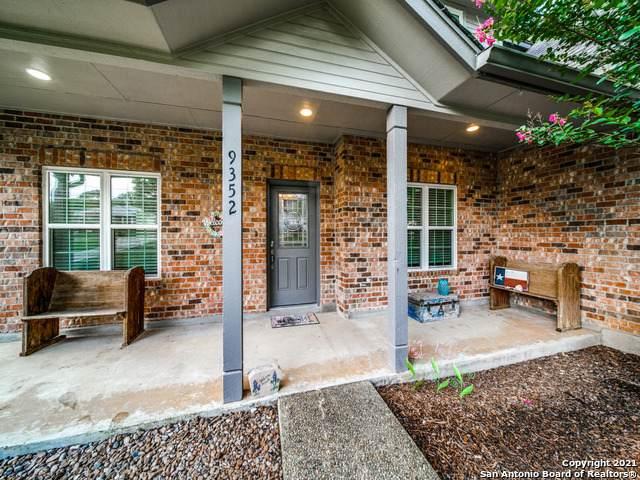 9352 Osage Cir, Garden Ridge, TX 78266 (MLS #1542870) :: Concierge Realty of SA