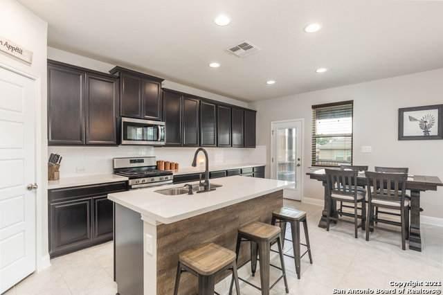 230 Wickersham, Boerne, TX 78015 (#1542964) :: Zina & Co. Real Estate