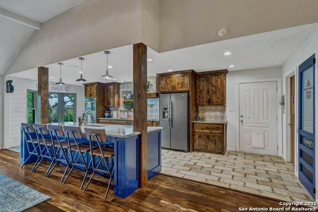 317 Lake Side Circle, Boerne, TX 78006 (MLS #1543017) :: Exquisite Properties, LLC