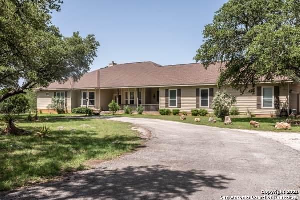 262 Winding Meadow Ln, Spring Branch, TX 78070 (MLS #1544992) :: The Castillo Group