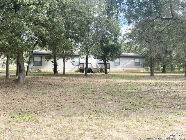 917 Hickory Grove, La Vernia, TX 78121 (MLS #1545563) :: The Rise Property Group
