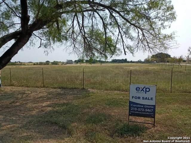 13007 S Keller Rd, LaCoste, TX 78039 (MLS #1545945) :: EXP Realty