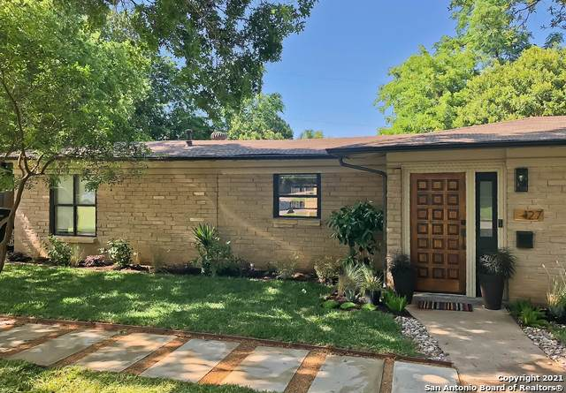 127 Arvin Dr, Terrell Hills, TX 78209 (MLS #1546090) :: Concierge Realty of SA