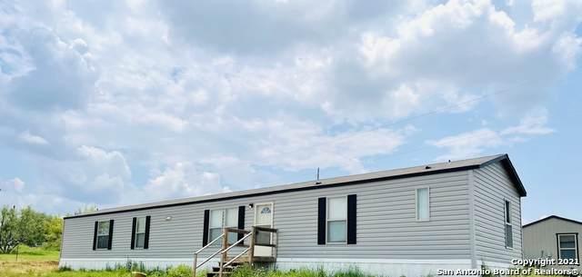 1049 County Road 773, Devine, TX 78016 (MLS #1547342) :: JP & Associates Realtors