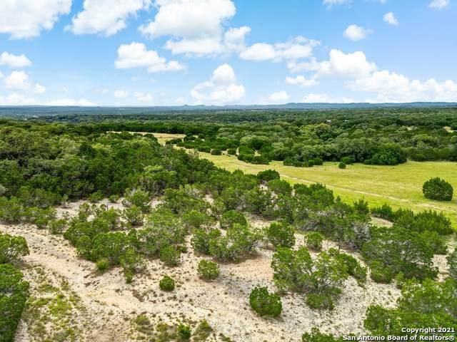 1044 Lakepark Drive, Lakehills, TX 78063 (MLS #1547490) :: EXP Realty