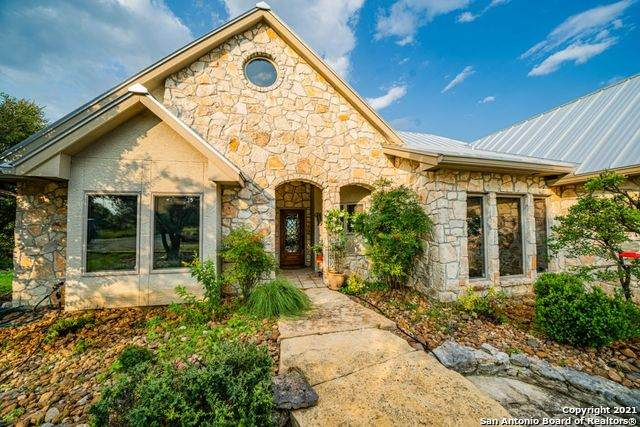 360 River Valley Rd, Ingram, TX 78025 (MLS #1548362) :: The Glover Homes & Land Group