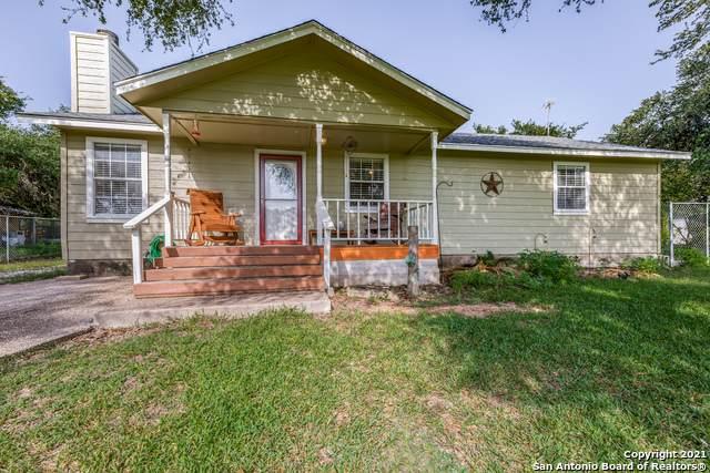 1143 Dawnridge Dr, Canyon Lake, TX 78133 (MLS #1548737) :: Carter Fine Homes - Keller Williams Heritage