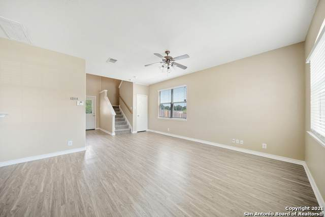 640 Meadow Arbor Ln, Universal City, TX 78148 (MLS #1549461) :: Phyllis Browning Company