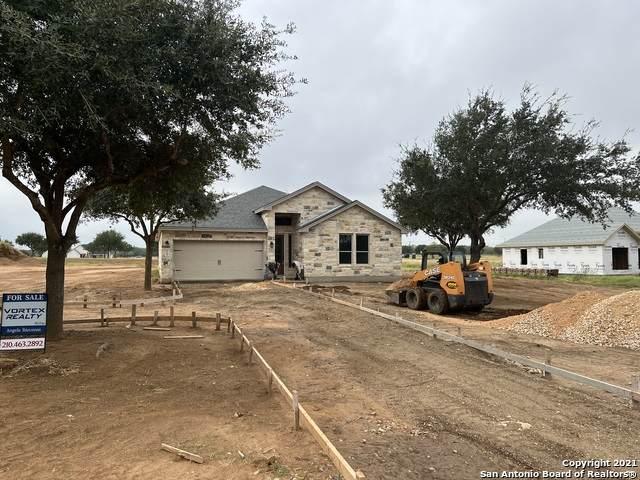 108 W Short Meadow Dr, Lytle, TX 78052 (MLS #1555267) :: Carter Fine Homes - Keller Williams Heritage