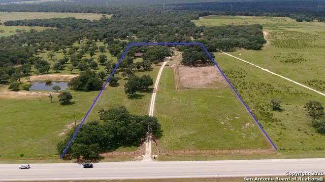 7071 State Highway 123 N, Stockdale, TX 78160 (MLS #1556237) :: Texas Premier Realty