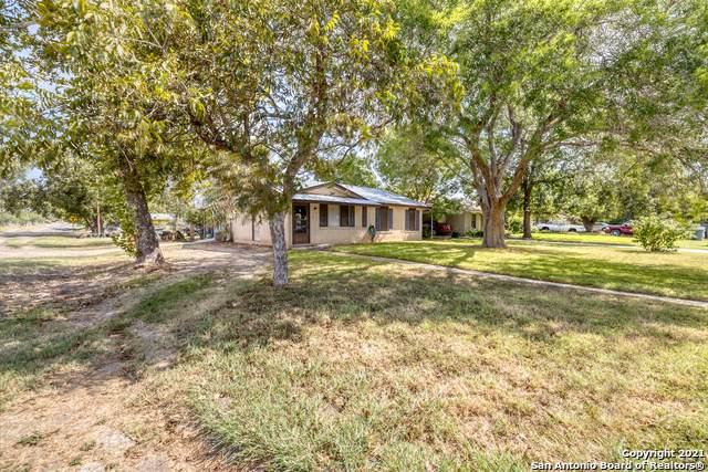 316 W Sabinal St, Uvalde, TX 78801 (MLS #1558168) :: Concierge Realty of SA