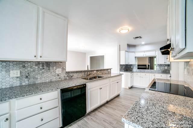 7423 Castle Crown, San Antonio, TX 78218 (MLS #1558473) :: Alexis Weigand Real Estate Group