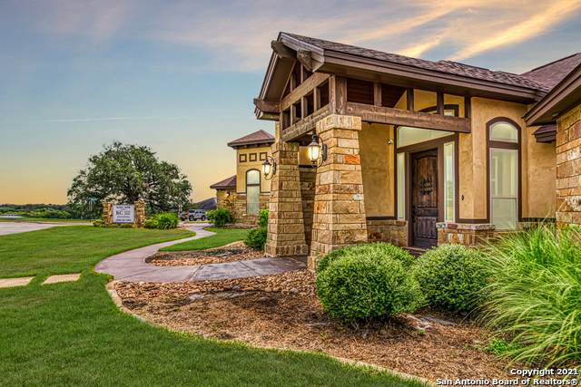101 Grandview, Floresville, TX 78114 (MLS #1558931) :: The Glover Homes & Land Group