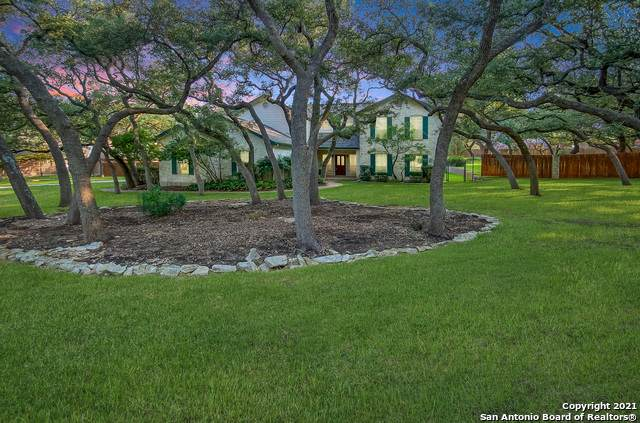 8629 Raintree Woods Dr, Fair Oaks Ranch, TX 78015 (MLS #1558965) :: Sheri Bailey Realtor