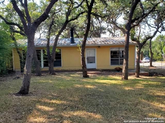 328 Flatrock Dr, Canyon Lake, TX 78133 (MLS #1559225) :: The Lopez Group