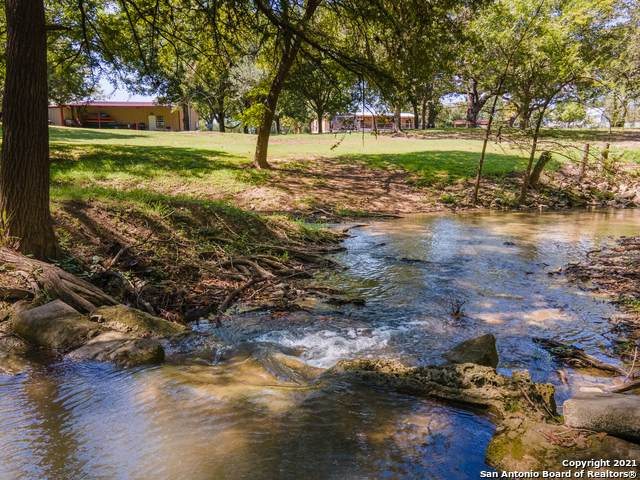 136 Riverview Dr, Center Point, TX 78010 (MLS #1559672) :: The Lopez Group