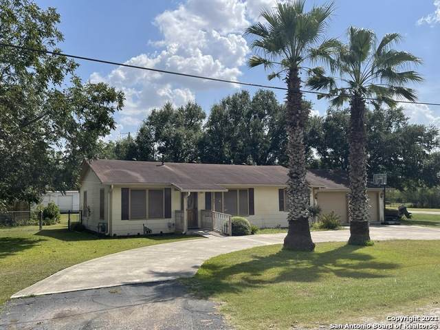 321 W Krueger St, Marion, TX 78124 (MLS #1559729) :: 2Halls Property Team | Berkshire Hathaway HomeServices PenFed Realty