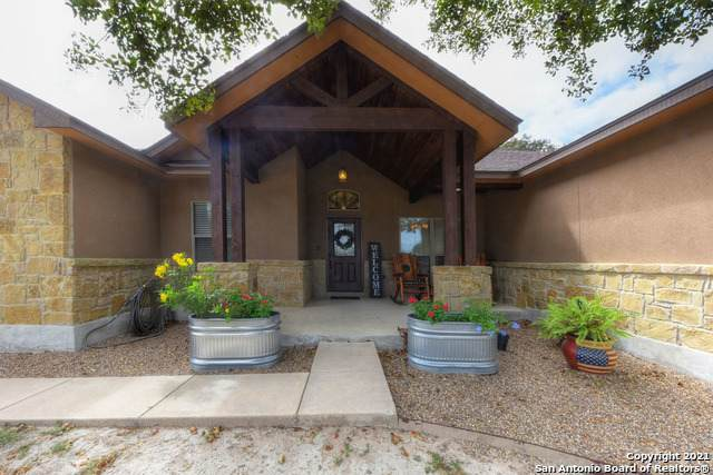 113 Cover Pt, Adkins, TX 78101 (MLS #1560350) :: 2Halls Property Team | Berkshire Hathaway HomeServices PenFed Realty