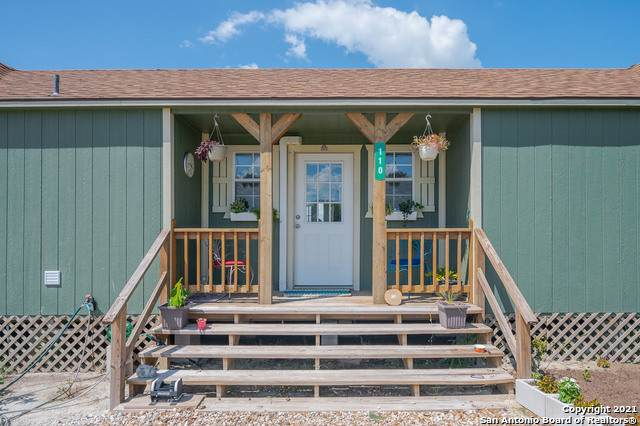 110 Teal Rd, Rockport, TX 78382 (MLS #1560361) :: The Glover Homes & Land Group