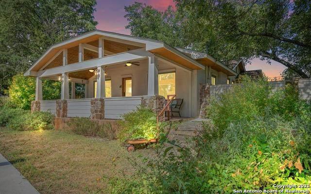 204 W San Antonio Ave, Boerne, TX 78006 (MLS #1561950) :: Phyllis Browning Company