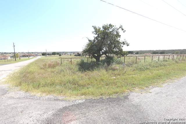 402 Clover Ln, La Vernia, TX 78121 (MLS #1563546) :: The Glover Homes & Land Group