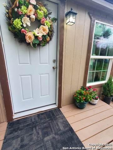 5406 Gwenda Lea St, San Antonio, TX 78242 (MLS #1564472) :: Concierge Realty of SA