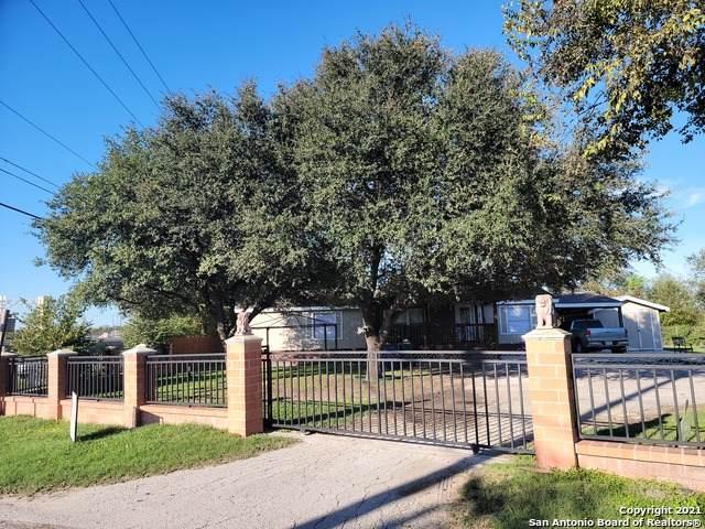 2615 Chloe Dr, Converse, TX 78109 (MLS #1566456) :: Carolina Garcia Real Estate Group