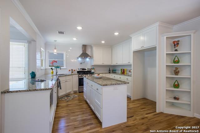 243 E Edgewood Pl, Alamo Heights, TX 78209 (MLS #1259596) :: Neal & Neal Team