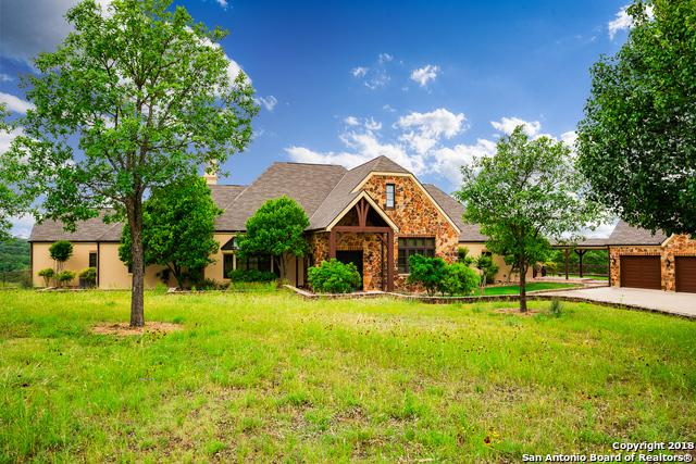 131 Oakcrest Way, Kerrville, TX 78028 (MLS #1271762) :: Erin Caraway Group