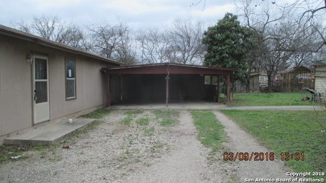 640 Roach St, Uvalde, TX 78801 (MLS #1288090) :: NewHomePrograms.com LLC