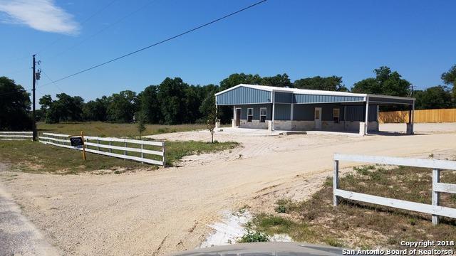 124 Lakeview Circle, La Vernia, TX 78121 (MLS #1291806) :: Magnolia Realty