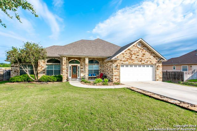 1128 Cherry Hill, New Braunfels, TX 78130 (MLS #1298496) :: Erin Caraway Group