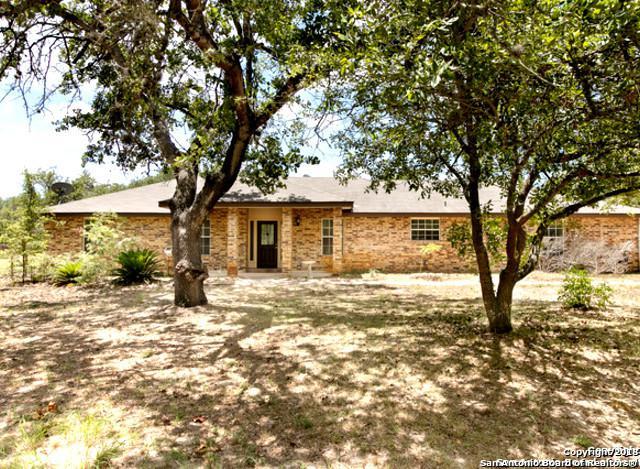 115 Harvest Ln, Floresville, TX 78114 (MLS #1315566) :: Ultimate Real Estate Services