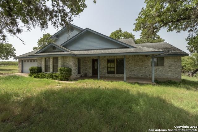 324 Lost Trail Circle, La Vernia, TX 78121 (MLS #1322016) :: NewHomePrograms.com LLC