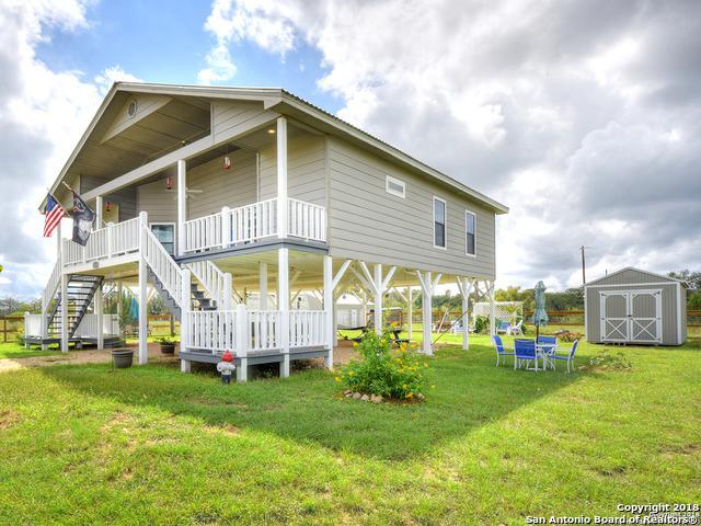 1135 Enchanted River Dr, Bandera, TX 78003 (MLS #1339024) :: Alexis Weigand Real Estate Group
