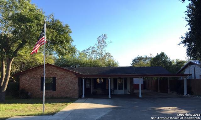 1217 Vivian St, Pleasanton, TX 78064 (MLS #1339719) :: Neal & Neal Team
