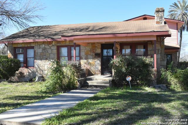 200 S 19th St, Carrizo Springs, TX 78834 (MLS #1350606) :: BHGRE HomeCity