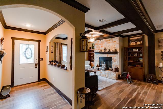 441 5th St, Lakehills, TX 78063 (MLS #1361936) :: Berkshire Hathaway HomeServices Don Johnson, REALTORS®