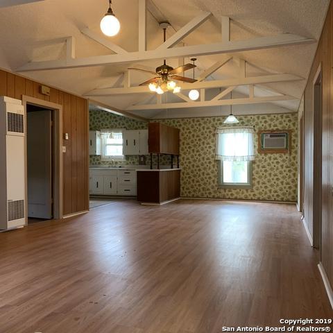 209 W Main St, Stockdale, TX 78160 (MLS #1371121) :: Exquisite Properties, LLC