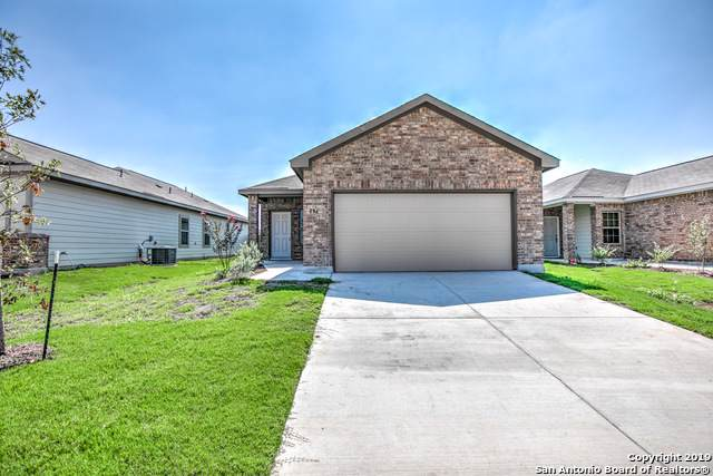 153 Buttercup Bend, New Braunfels, TX 78130 (#1373037) :: The Perry Henderson Group at Berkshire Hathaway Texas Realty
