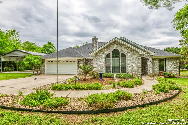 824 Winding Oak Dr, New Braunfels, TX 78132 (MLS #1374150) :: ForSaleSanAntonioHomes.com