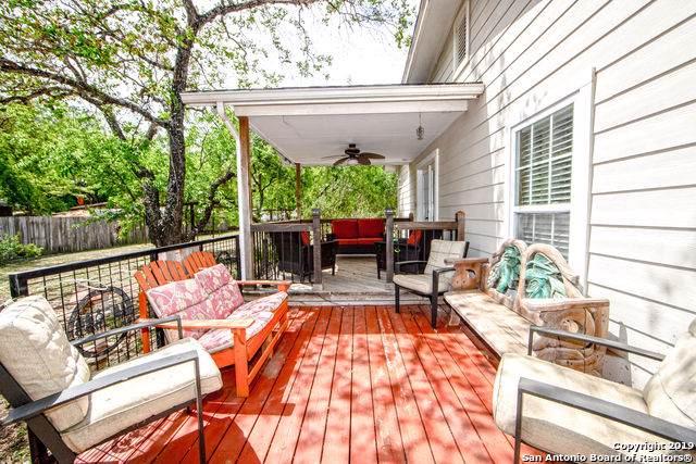910 Austin St, Pleasanton, TX 78064 (MLS #1375559) :: BHGRE HomeCity