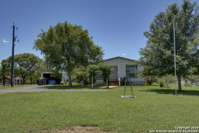 5012 Sutherland Springs Rd, Seguin, TX 78155 (MLS #1390082) :: Tom White Group