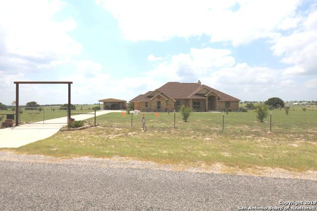 190 Triple Bend Dr, La Vernia, TX 78121 (MLS #1391962) :: Neal & Neal Team